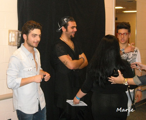 Flight crew il volo flight crew share the love page 2 the mg was held in a large room beneath the stage we were all lined up waiting and watching i have to say that everyone i saw took some time with the m4hsunfo