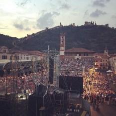 @ babsvitali - Barbara Vitali Twitter - sold out Marostica Il Volo concert venue 2015