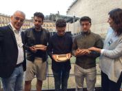 Comune di Macerata3 Il Volo predented sith miniature momentos of the Sferistiero Macereta Theater - August 2015