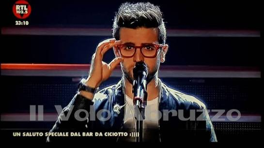 piero adjusting glasses