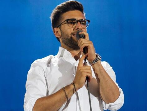 Piero Singing 2